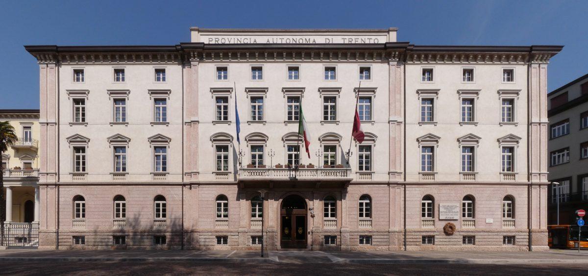 Trento-Palazzo_della_Provincia_Autonoma_di_Trento-front